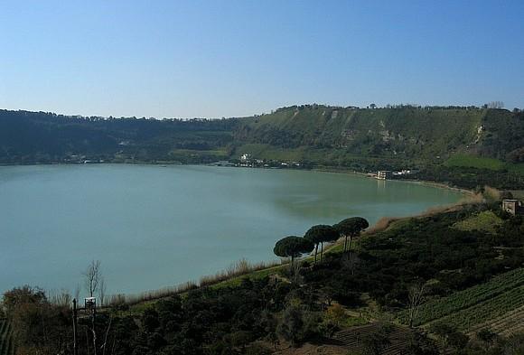 I campi flegrei modesto omaggio alla citt in cui vivo for Lago lucrino